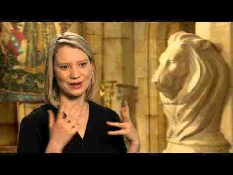Alice Through the Looking Glass - Mia Wasikowska Interview